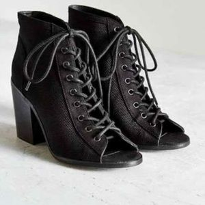 Urban Outfitters Paula lace up heels